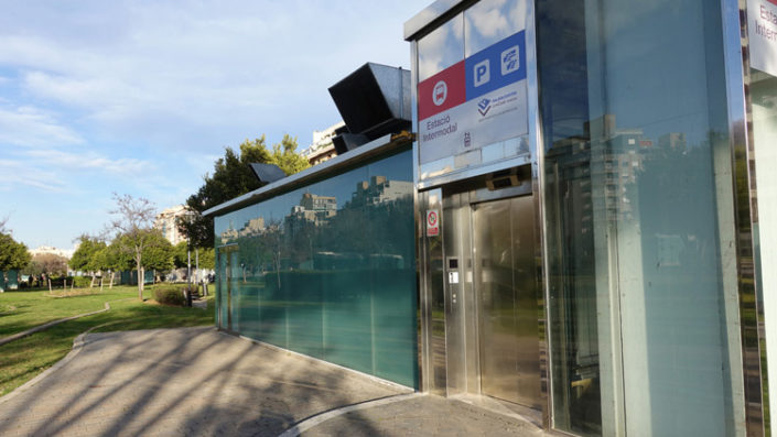 Parque-de-Ses-Estaciónes-Busstation