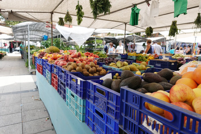 Markt-Pere-Garau-Kiwis